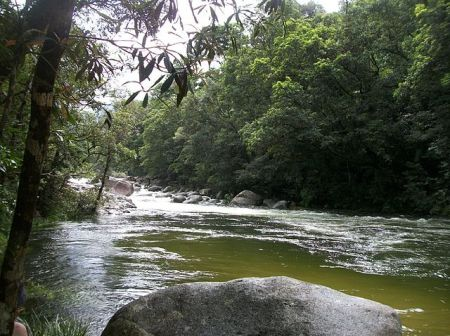 640px-Mossman_River_and_Gorge
